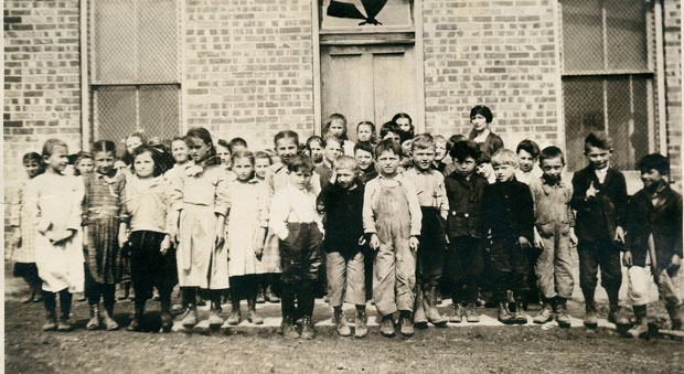 Ganister school photo from an unknown year, but perhaps pre-1936